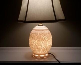 Vintage milk glass 3 way lamps (2).