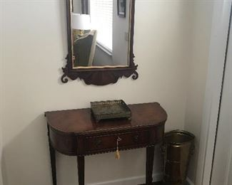 CONSOLE TABLE & MIRROE