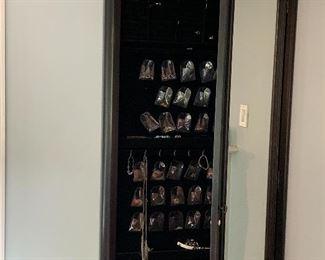 Jewelry glass case