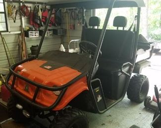 Excellent Condition Bulldog Golf Car Golf Car. $4000