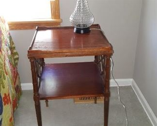 End Table & Lamp