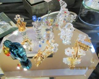 many Swarovski collectibles, miniatures as well