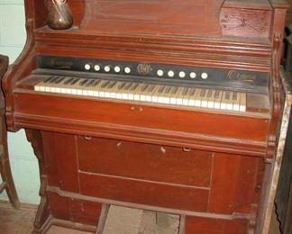 Monarch pump organ