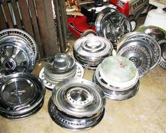 SO many shinny hub caps
