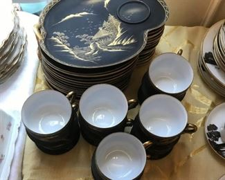 Oriental black and gold porcelain lunch set
