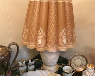 Exceptional Alacite Alladin electric lamp with original paper parchment shade and matching finial.