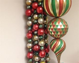 Red, green, & gold shout Christmas!
