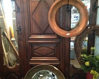Antique hall tree; round frames