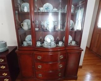 Beautiful curved glass mahogany china cabinet only $150