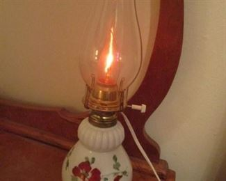 No  mark on lamp.
