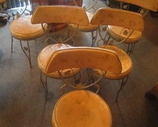 6 Vintage Retro chairs.  Pink and gold covers.  These chairs and table top are classic!