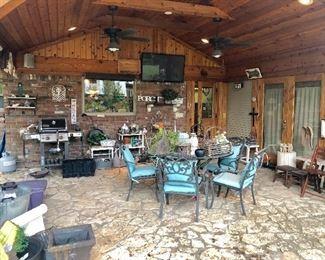 Pearland, TX Estate Sales around 77584