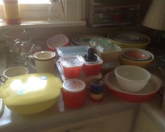 Pyrex sets of bowls and covered dishes