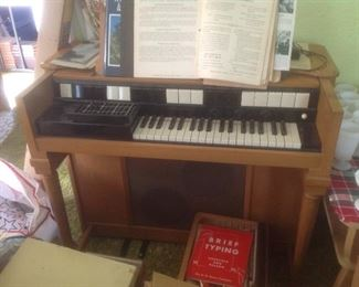 Hammond organ....presale $50