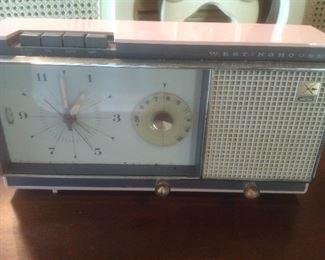 Vintage pink radio that works!!