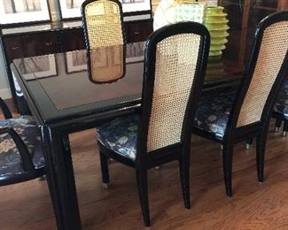Henredon Table with 8 chairs and 2 leaves