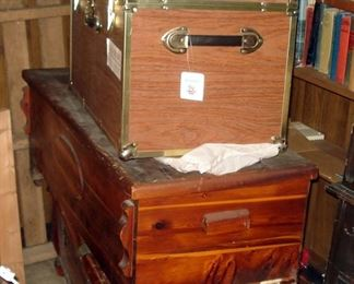 Cedar Chests and Storage Trunks