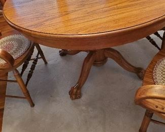 "48"" Round Dining Table with 14"" leave"