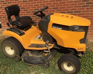 Cub Cadet XT1 Riding Lawnmower