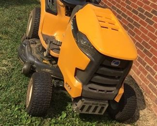 Front view if Cub Cadet