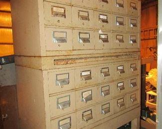 Metal 30 drawer card file