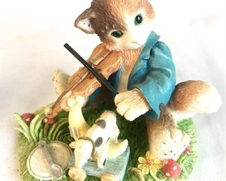 Calico Kittens Figurine- part of a lot.