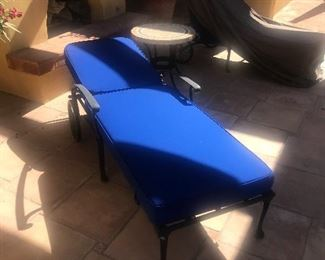 4 new chaise chairs