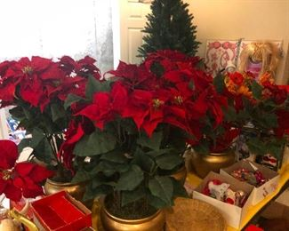 """Poiknsettias! (Which is how you spell """"poinsettias"""" after 2 glasses of wine!)"""