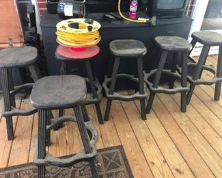 weatherproof patio barstools for when you want to finish your mai tai during the monsoon (don't rush me!)