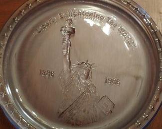 1986 Statue of Liberty Commemerative plate