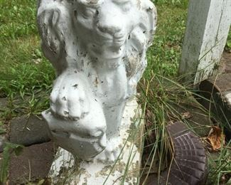 Pair of Heavy Lion Lawn Ornaments