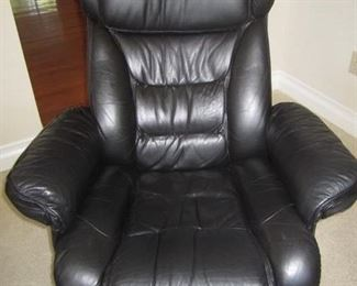 PAIR OF LEATHER CHAIRS WITH MATCHING OTTOMANS