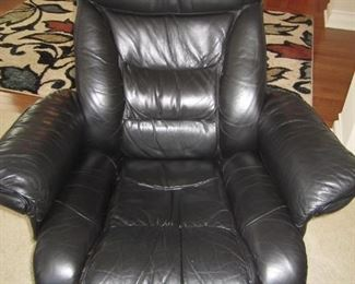 PAIR OF BLACK LEATHER CHAIRS WITH MATCHING OTTOMANS