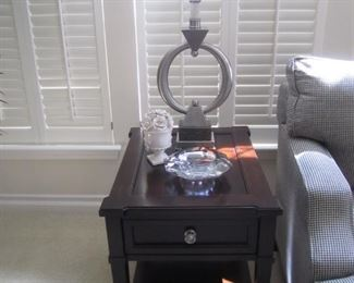 END TABLE BY BASSETT FURNITURE