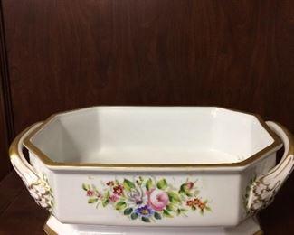 Large center piece porcelain with handles!