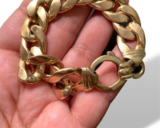 Ladies chunky 14K gold bracelet.