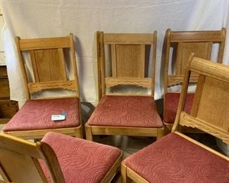 Five dining chairs https://ctbids.com/#!/description/share/208637