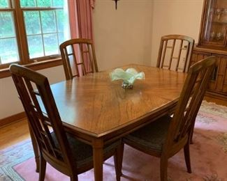 Mid century retro dining table with four chairs https://ctbids.com/#!/description/share/208644