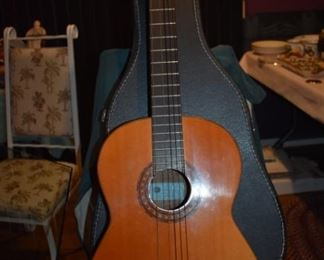 Epiphone Classic Guitar with Case in Beautiful Condition