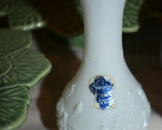 Beautiful Imperial Milkglass Vase