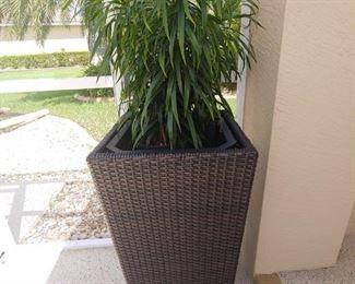 Outdoor Planter-Vinyl Wicker