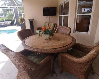 Tommy Bahama/Key West Style Patio Table & 4 Chairs. Resin (Stone Look) Top-Vinyl Wicker