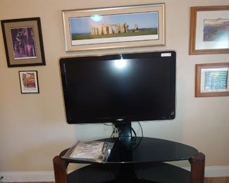 """Flat Screen TV & Stand + Art. Phillips 42"""" Sold Separately"""