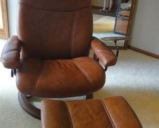 Leather chair & ottoman – swivel base (Ekornes Stressless – Dania furniture)