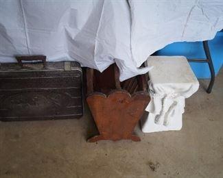 magazine rack, tool case
