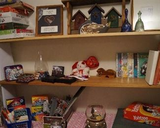 games and toys, decor
