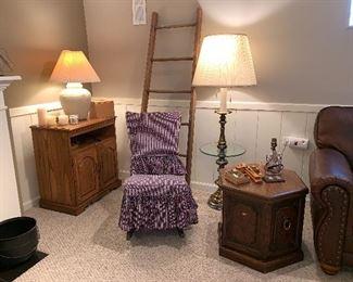 Vtg. wooden ladder, Brass glass top table floor lamp,