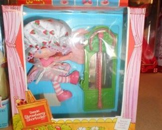 Kenner Strawberry Shortcake in box