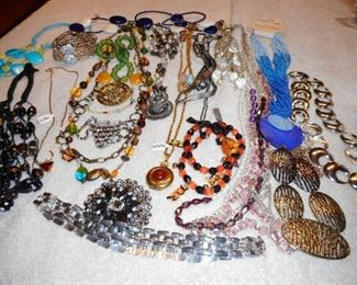 COSTUME JEWELRY!!! ENDLESS...