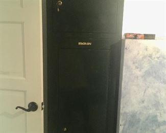 Stack-On gun safe